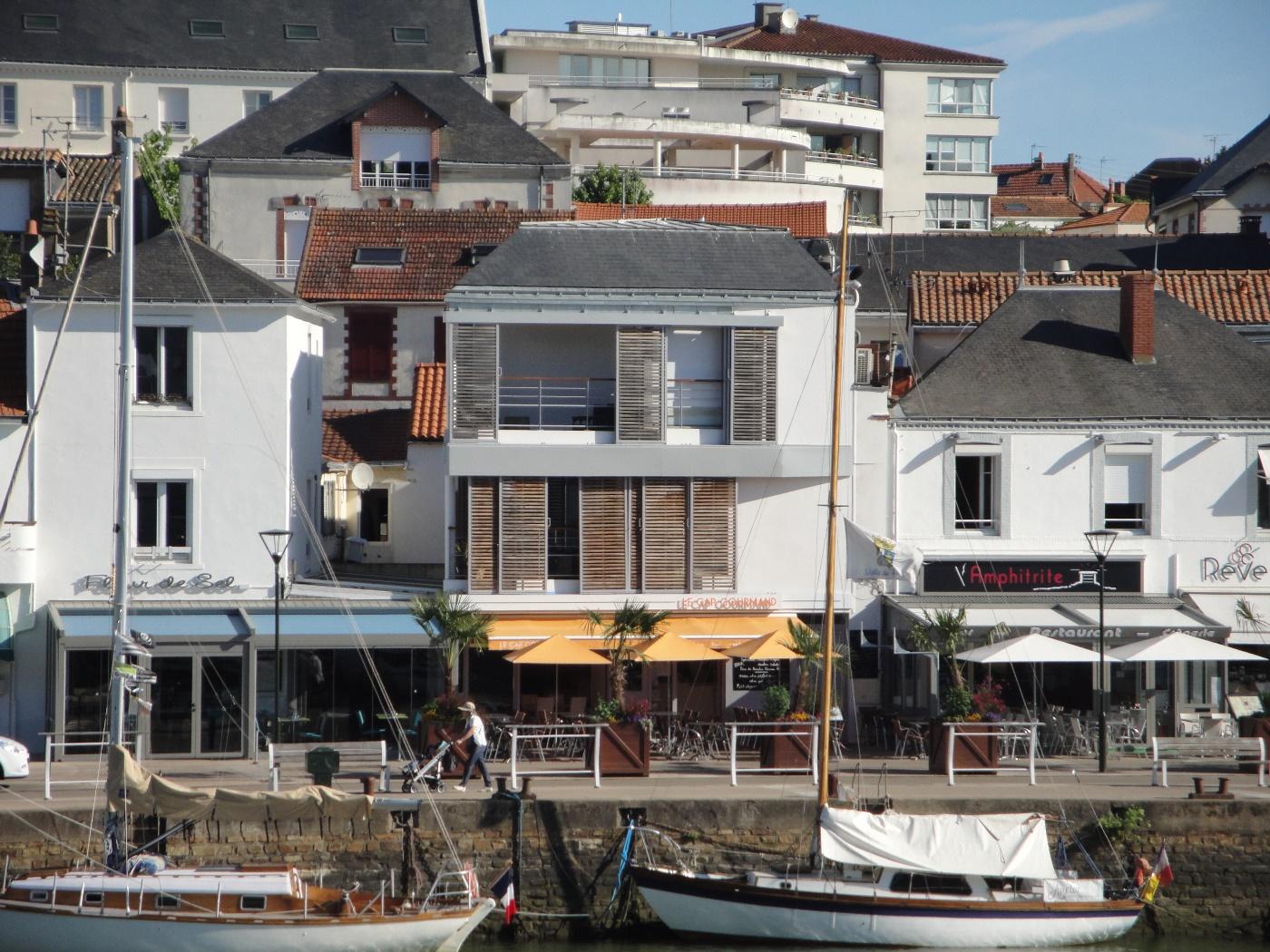 Concepts - Immeuble sur le port